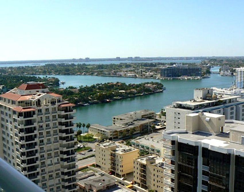 Akoya Miami Beach