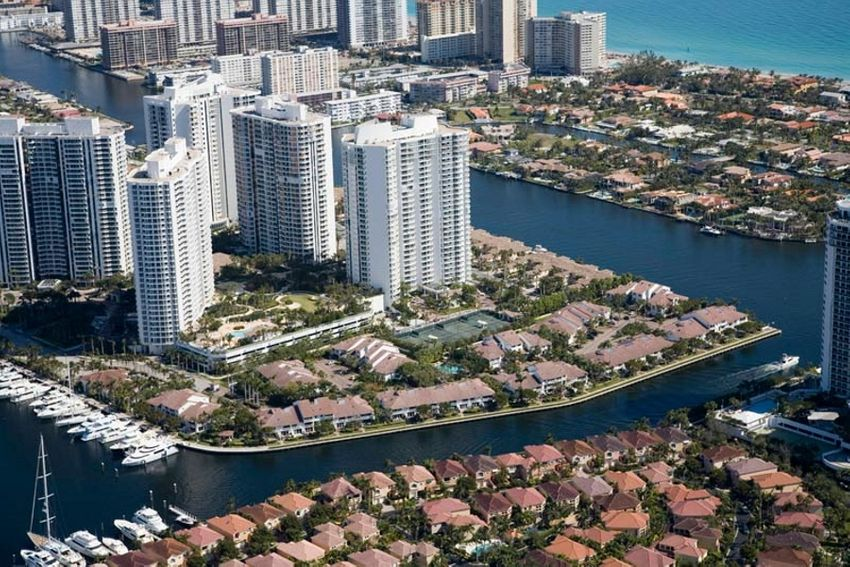 Golden Pointe Aventura