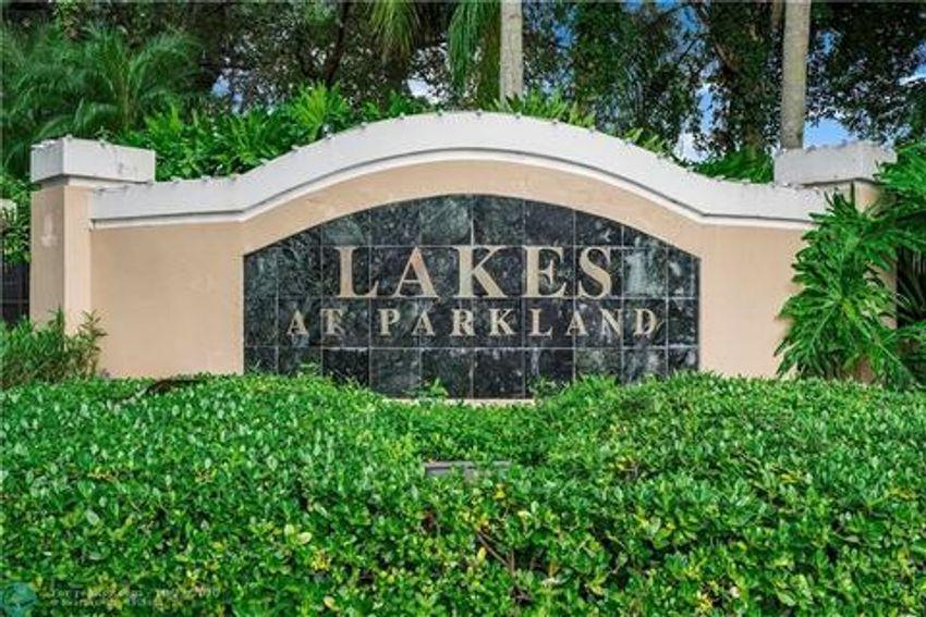 Lakes At Parkland