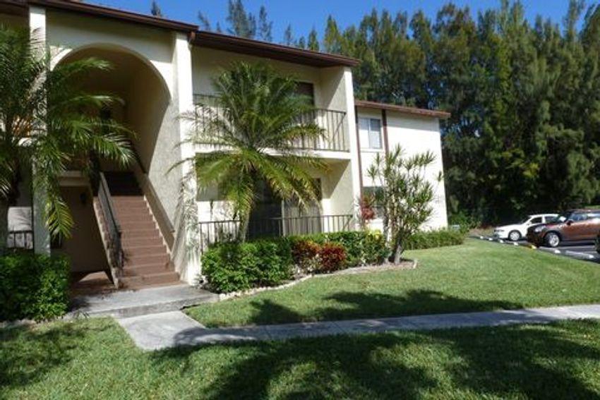 Pine Ridge at Haverhill West Palm Beach