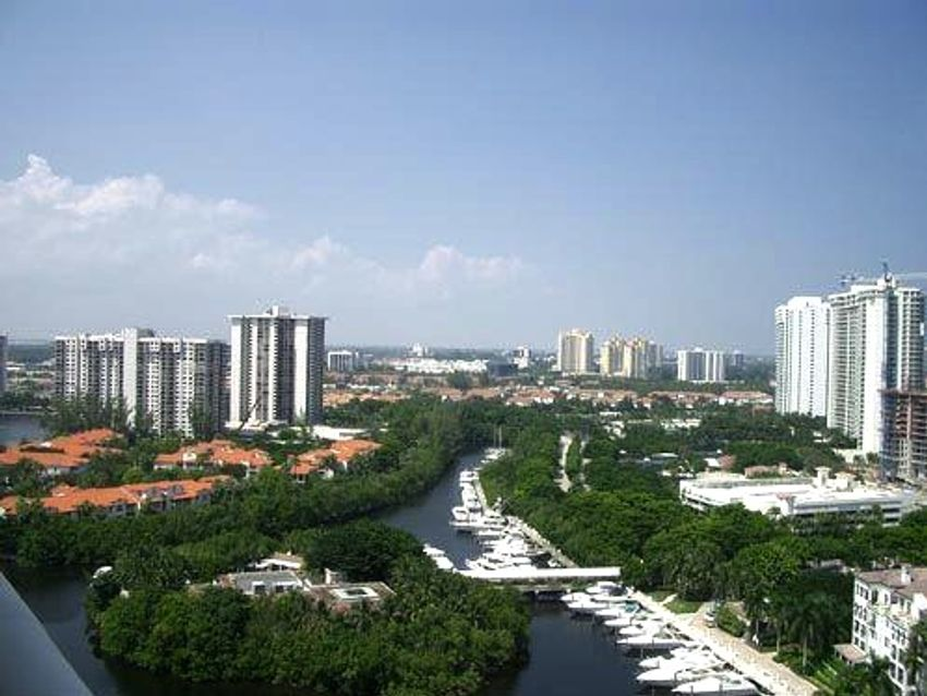 Turnberry Village Aventura
