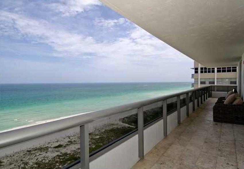 Villa Di Mare Miami Beach
