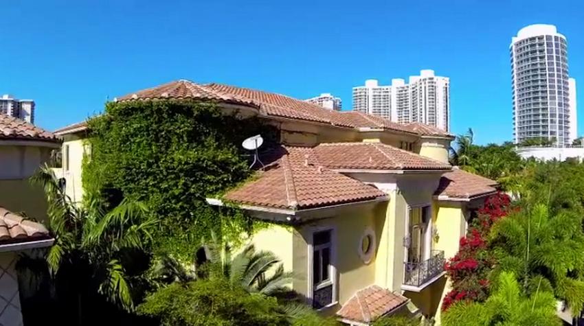 Villa Flora Aventura