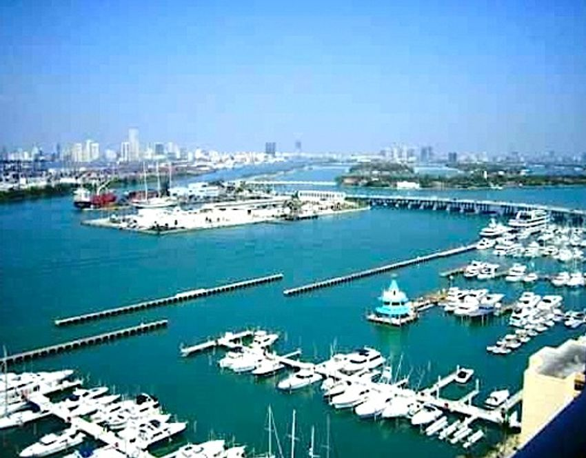 Yacht Club At Portofino Miami Beach